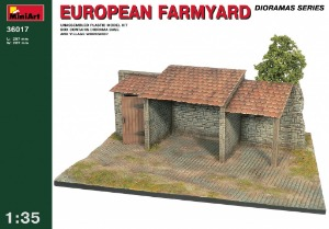 36017 1/35 European Farmyard