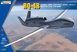 K48084  1/48 RQ-4B Global Hawk
